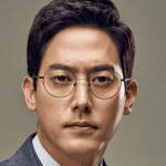 Kim Sun Hyuk Nationality Age, Born, Gender, Kim Sun Hyuk is a South Korean actor. He changed into born on November 25, 1977 and made his debut as an actor in 2008.