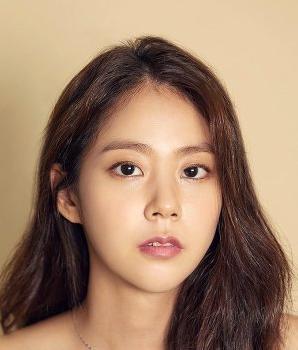 Han Seung Yeon Nationality, Born, Gender, Han Seung Yeon is a South Korean singer and actress.